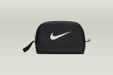 Kosmetyczka Nike Club Team (BA5198-010)